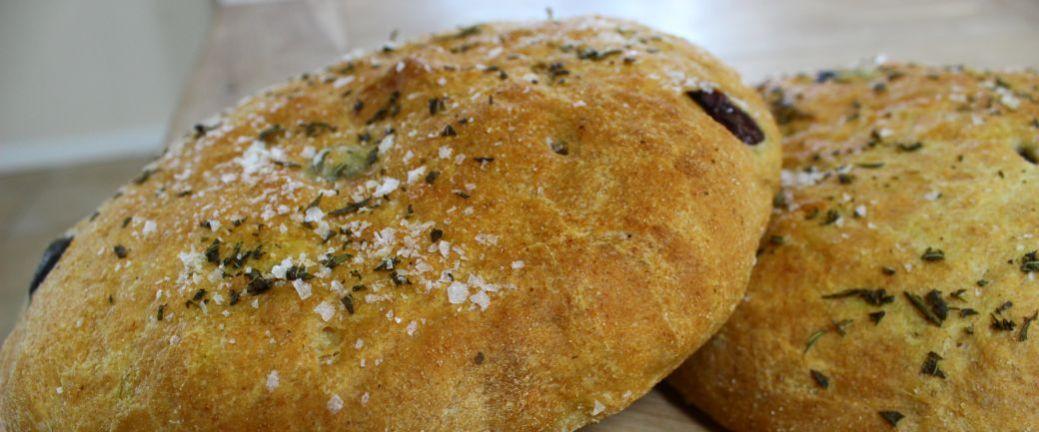 Brød med rosmarin og oliven_B1040