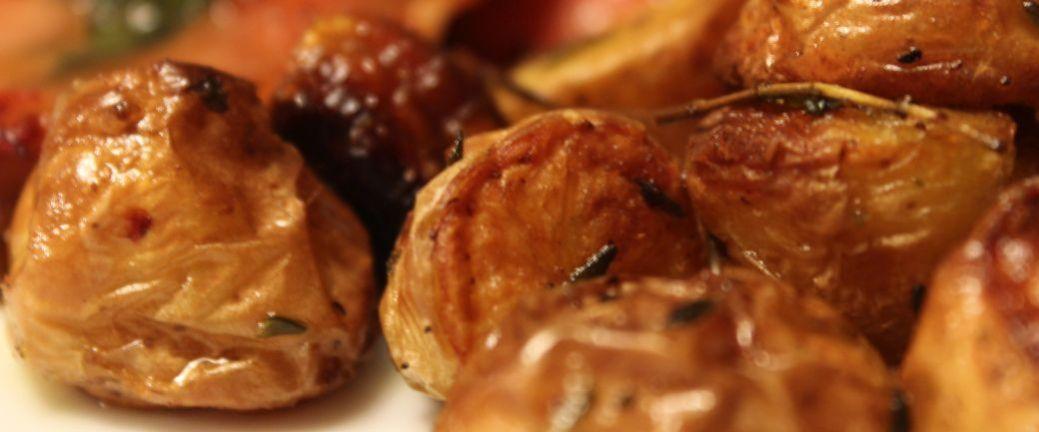 Ovnbagte kartofler m balsamico hvidløg