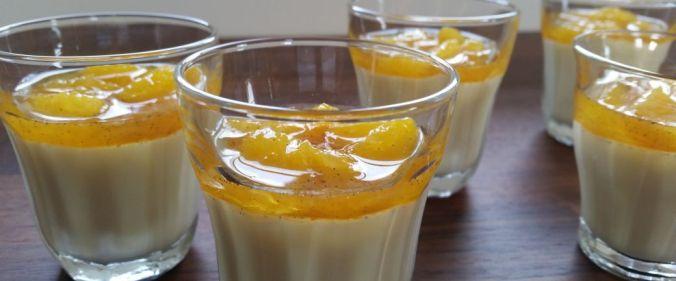 Panna cotta med kardemomme og appelsinsirup