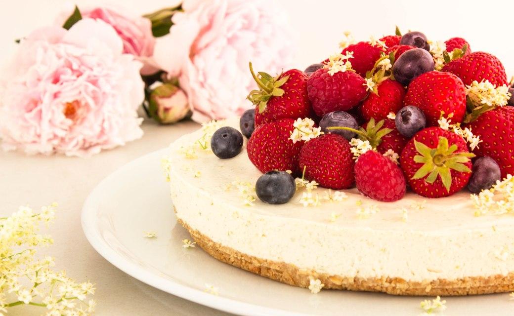 Cheesecake med sommerbær_3-9349